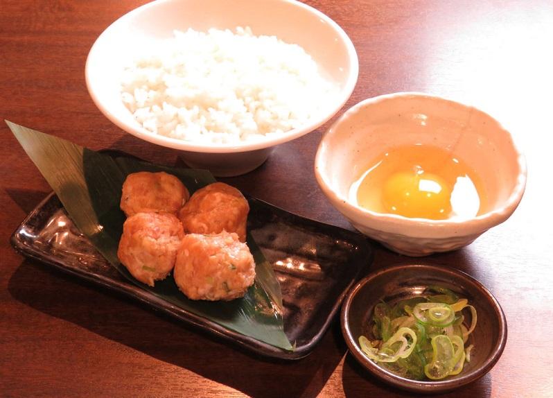 蕨の居酒屋「とりいちず」で〆まで美味しいこだわりの水炊きを堪能!
