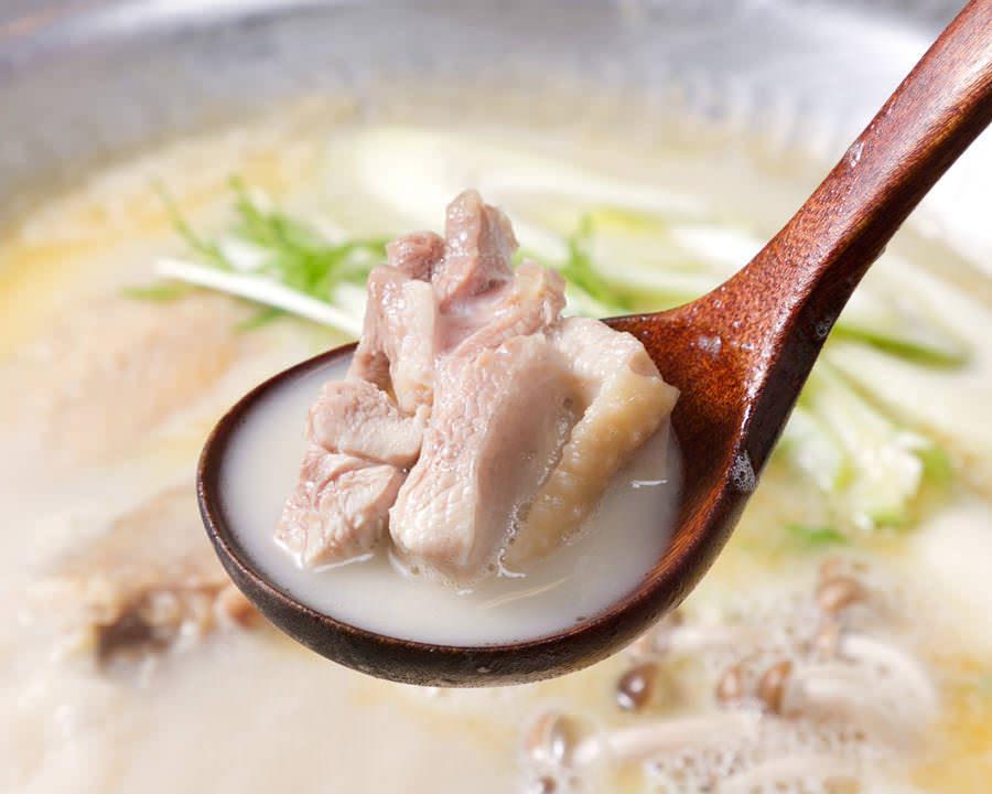 とりいちず食堂 蕨駅前店で味わえるコラーゲンたっぷり鍋